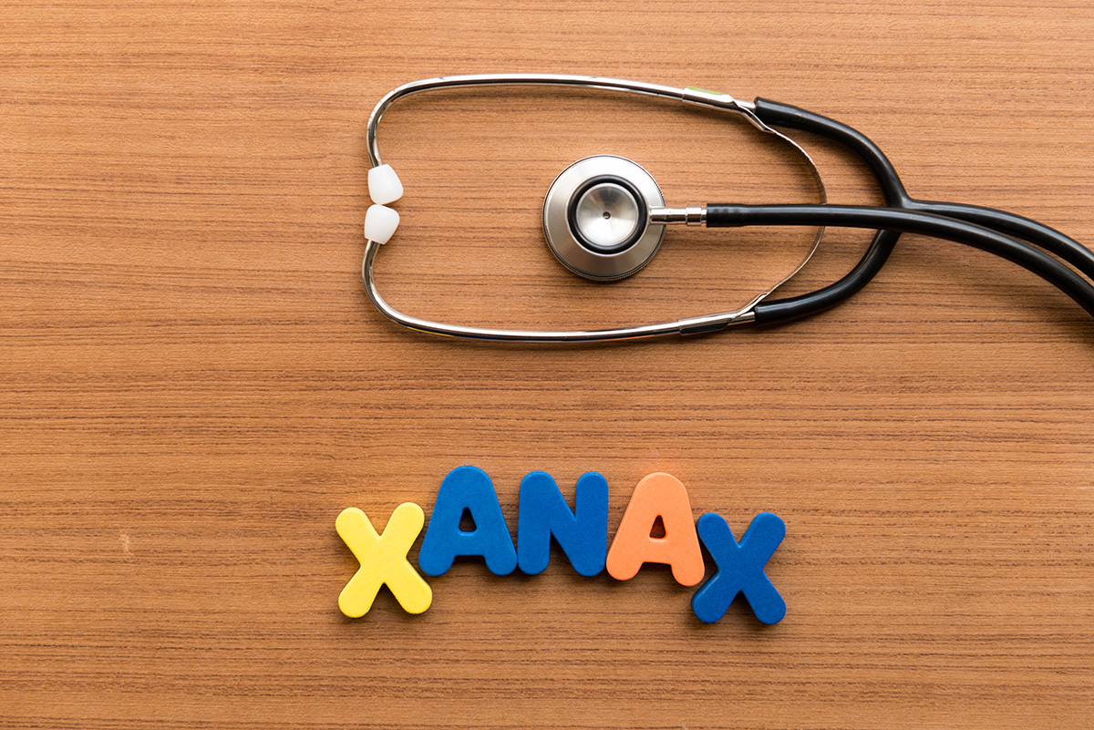 Pic of the word XANAX with a stethoscope