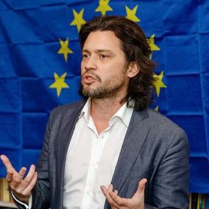 Photo of Dr Mike Galsworthy from Scientists For EU.